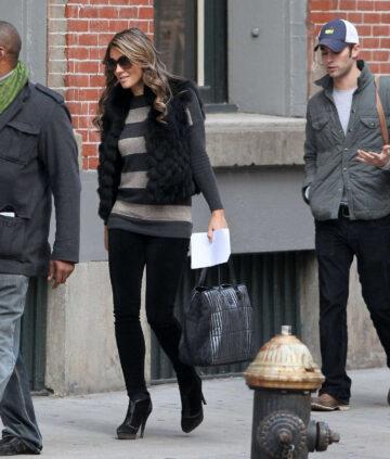 Elizabeth Hurley Set Gossip Girl New York