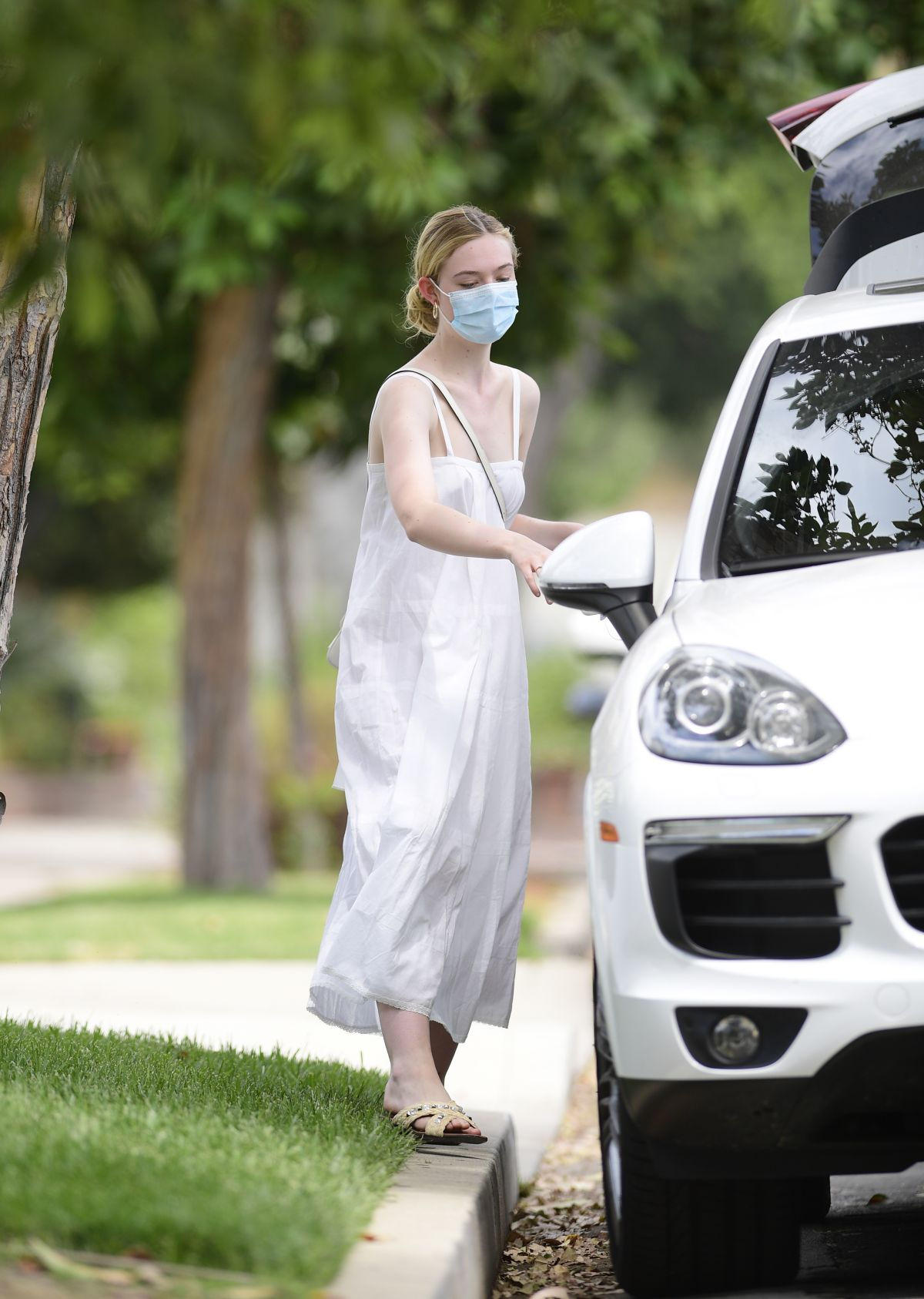 Elle Fanning Out About Los Angeles