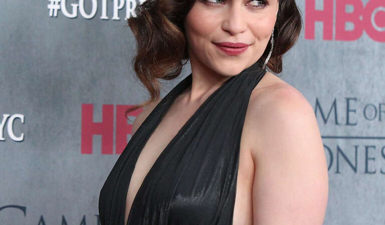 Emilia Clarke Game Thrones Fourth Season Premiere New York (18 photos)