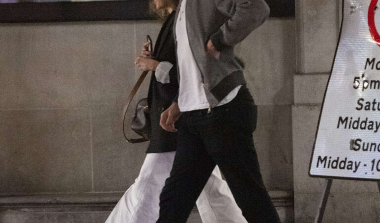 Emilia Clarke Matt Smith Out London (7 photos)