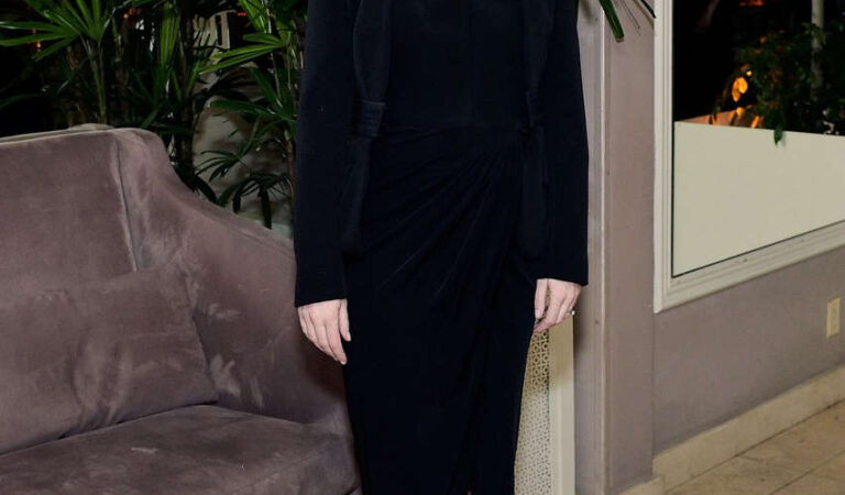 Emily Blunt Colin Livia Firths Dinner Celebrating Chopards Journey Tos Sustainable Luxury (4 photos)
