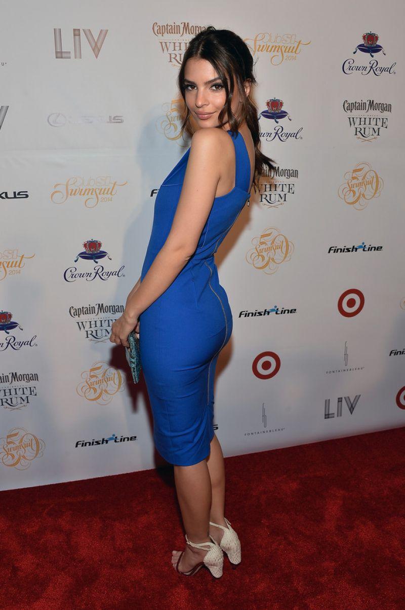 Emily Ratajkowski Club Si Swimsuit Liv Nightclub Fontainebleau Miami