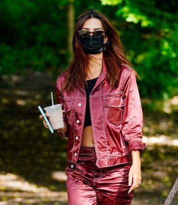 Emily Ratajkowski Out Central Park New York