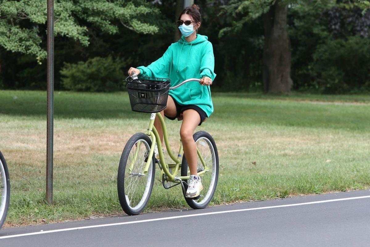 Emily Ratajkowski Out For Bike Ride Hamptons