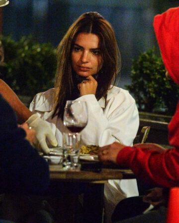 Emily Ratajkowski Out For Dinner Il Buco New York
