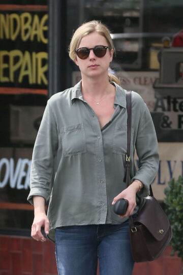 Emily Vancamp Out Shopping West Hollywood