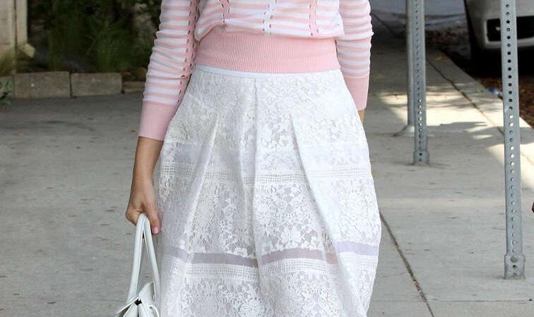 Emmy Rossum Leaves Nine Zero One Salon West Hollywood (23 photos)