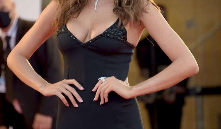 Francesca Sofia Novello Padrenostro Premiere 2020 Venice Film Festival (16 photos)