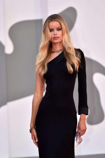 Frida Aasen Miss Marx Premiere 2020 Venice Film Festival