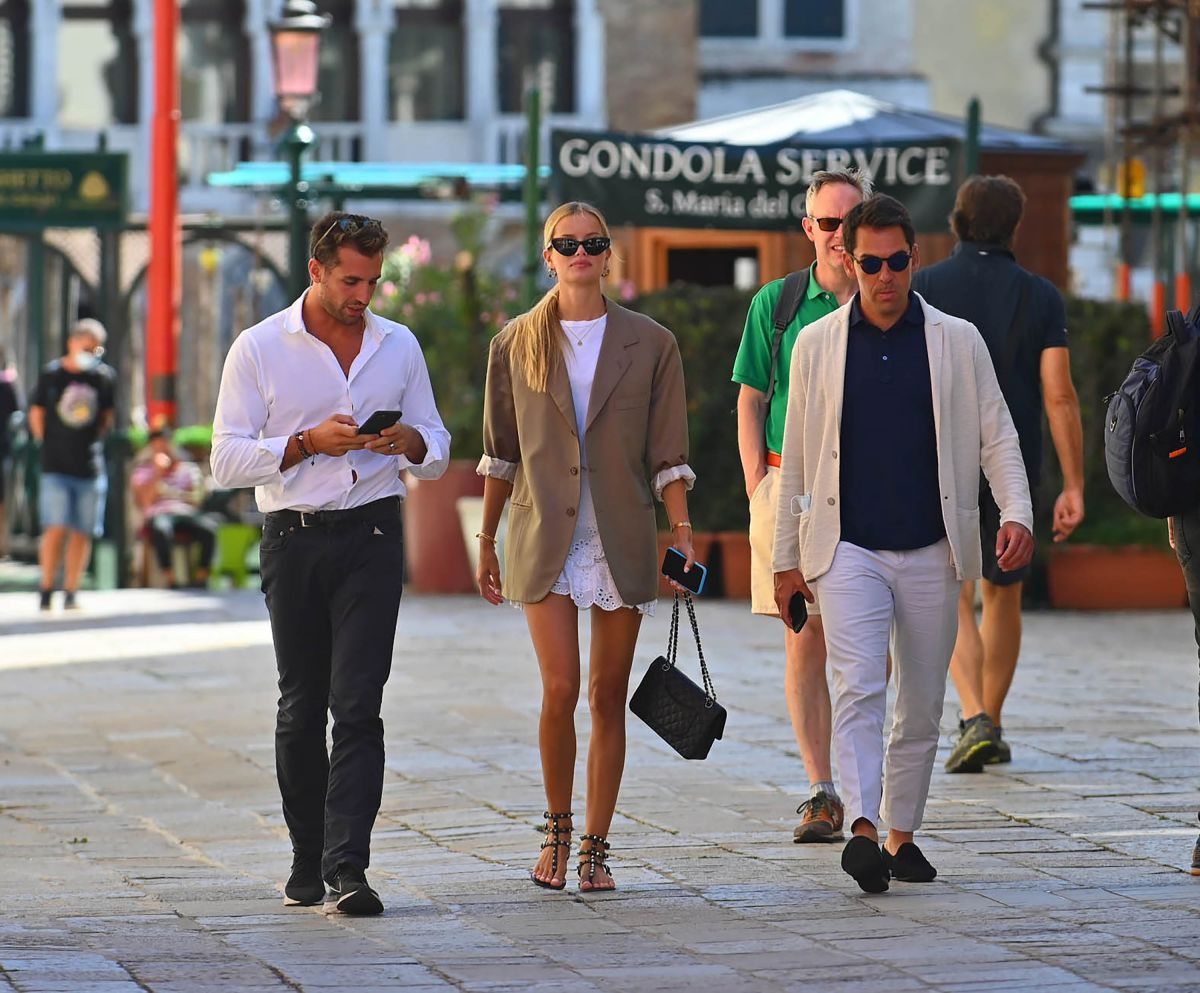 Frida Aasen Tommy Chiabra Out Venice