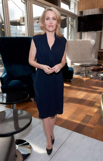 Gillian Anderson Set Extra New York
