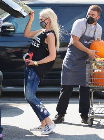 Gwen Stefani Ripped Denim Out Shopping Encino