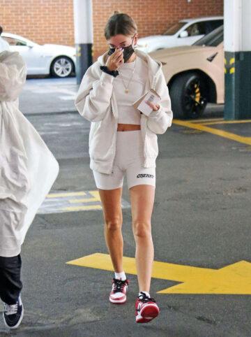Hailey Bieber Arrives Medical Building Beverly Hills
