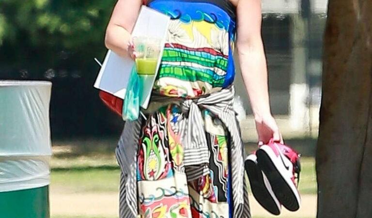 Hilary Duff Local Park Los Angels (7 photos)