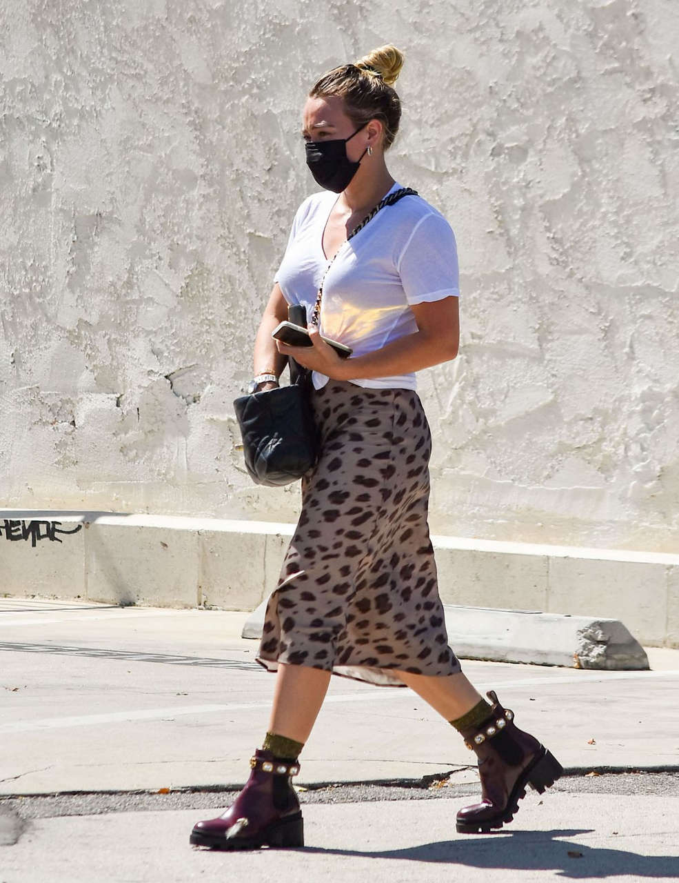 Hilary Duff Out About Los Angeles