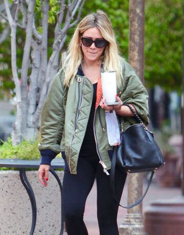 Hilary Duff Out For Coffee Los Angeles