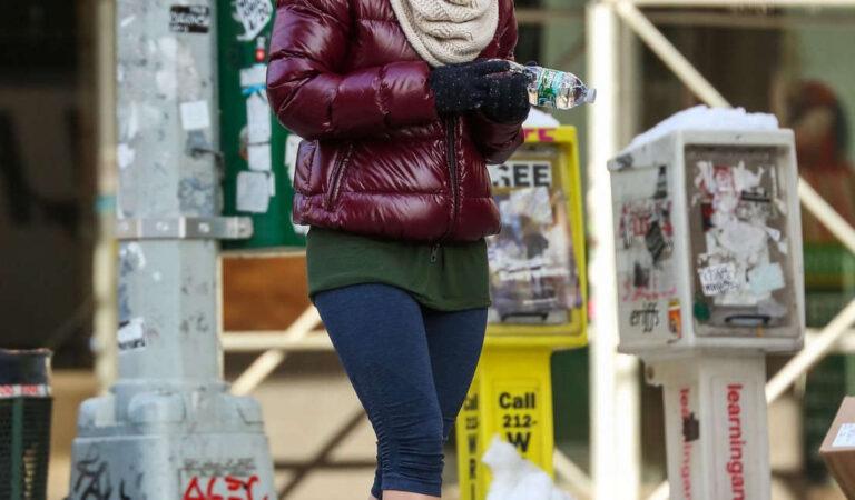 Hilary Duff Short Leggings Out New York (11 photos)