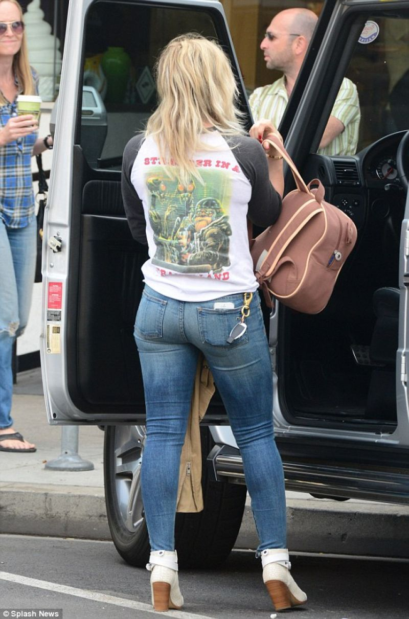 Hlary Duff Tight Jeans Out Beverly Hills