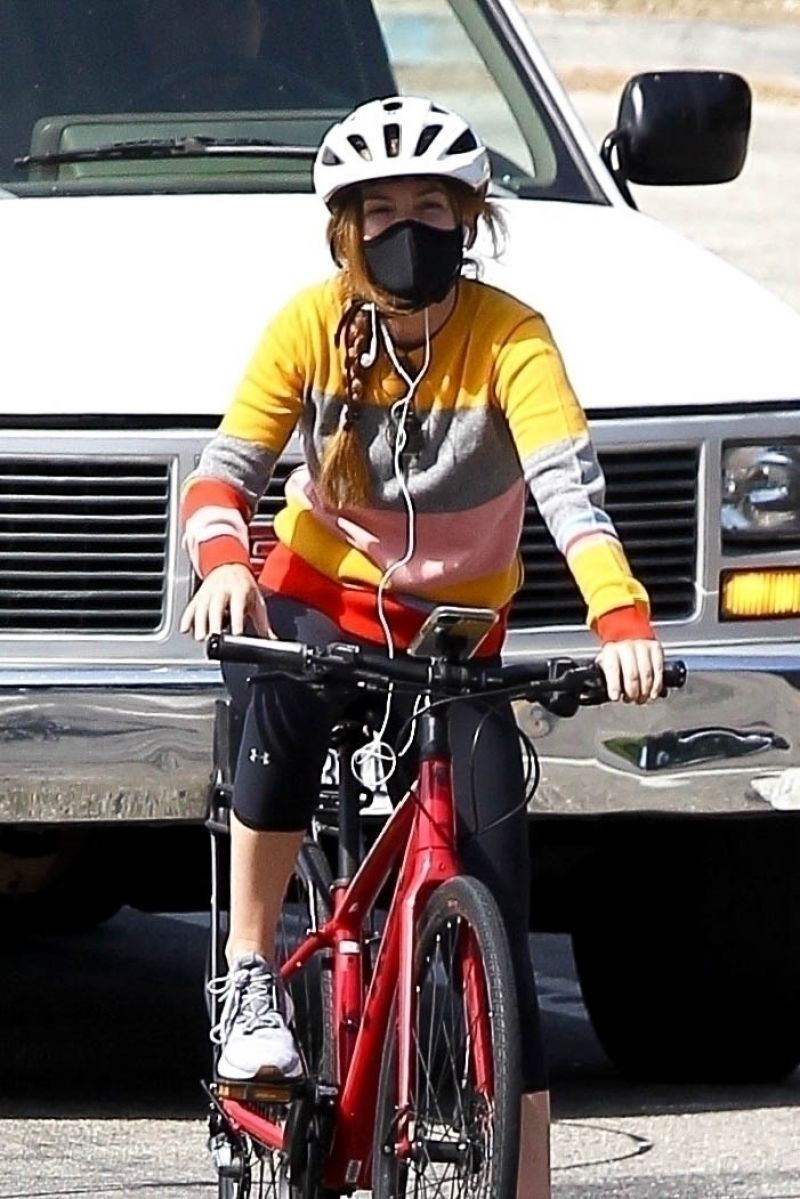 Isla Fisher Out Riding Her Bike Hollywood Hills