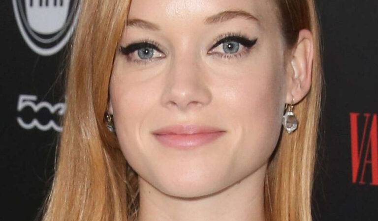 Jane Levy Vanity Fair Fiat Young Hollywood Celebration Los Angeles (3 photos)