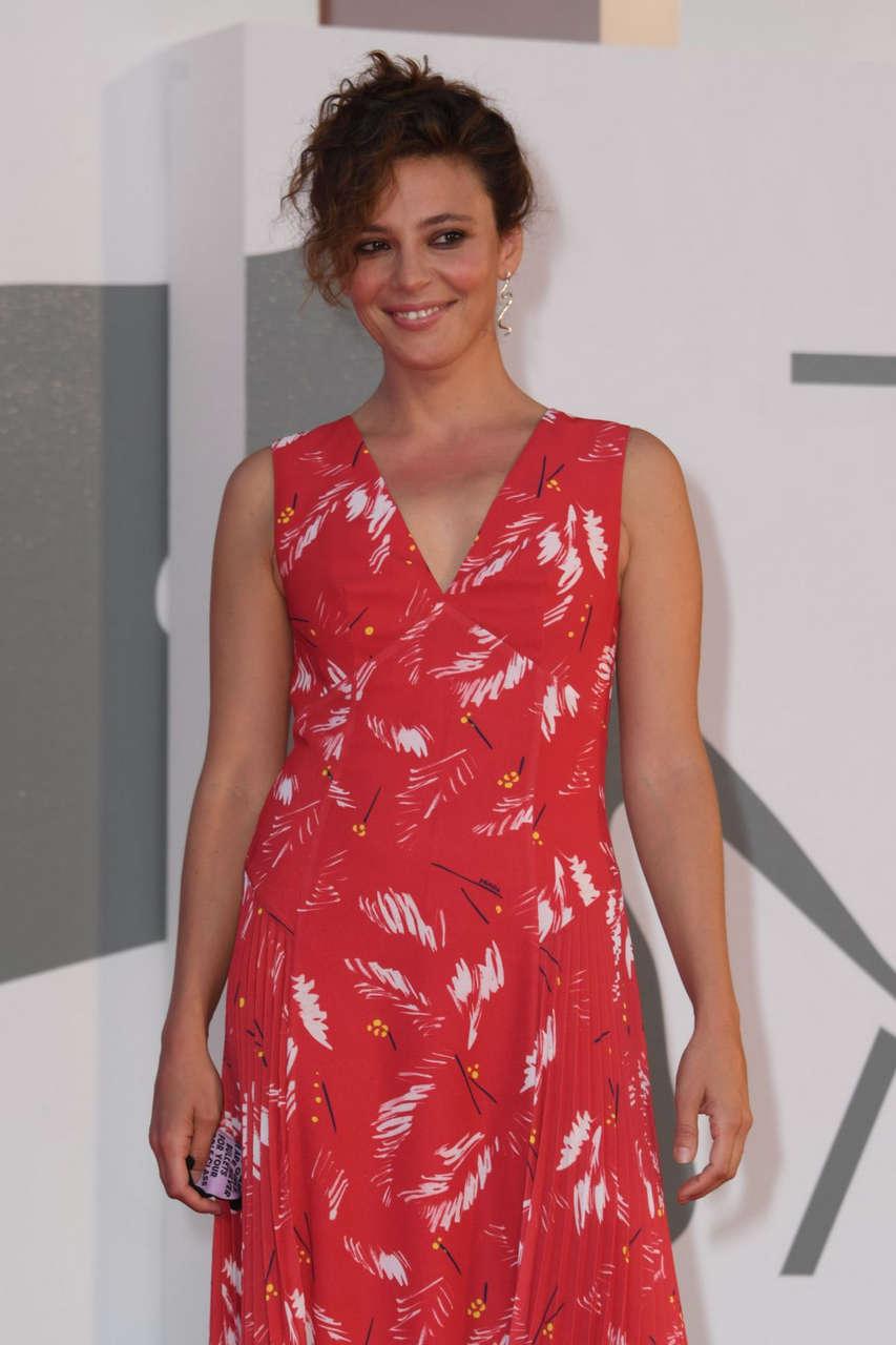 Jasmine Trinca Nomadland Premiere 77th Venice Film Festival