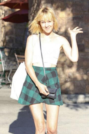 Jena Malone Short Skirt Leaves Gelsons Market Los Feliz