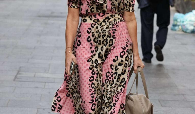 Jenni Falconer Out About London (13 photos)