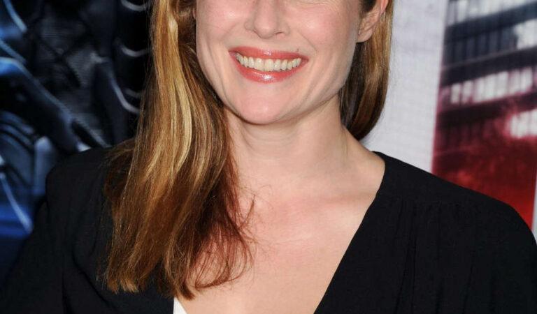 Jennifer Ehle Robocop Premiere Los Angeles (11 photos)