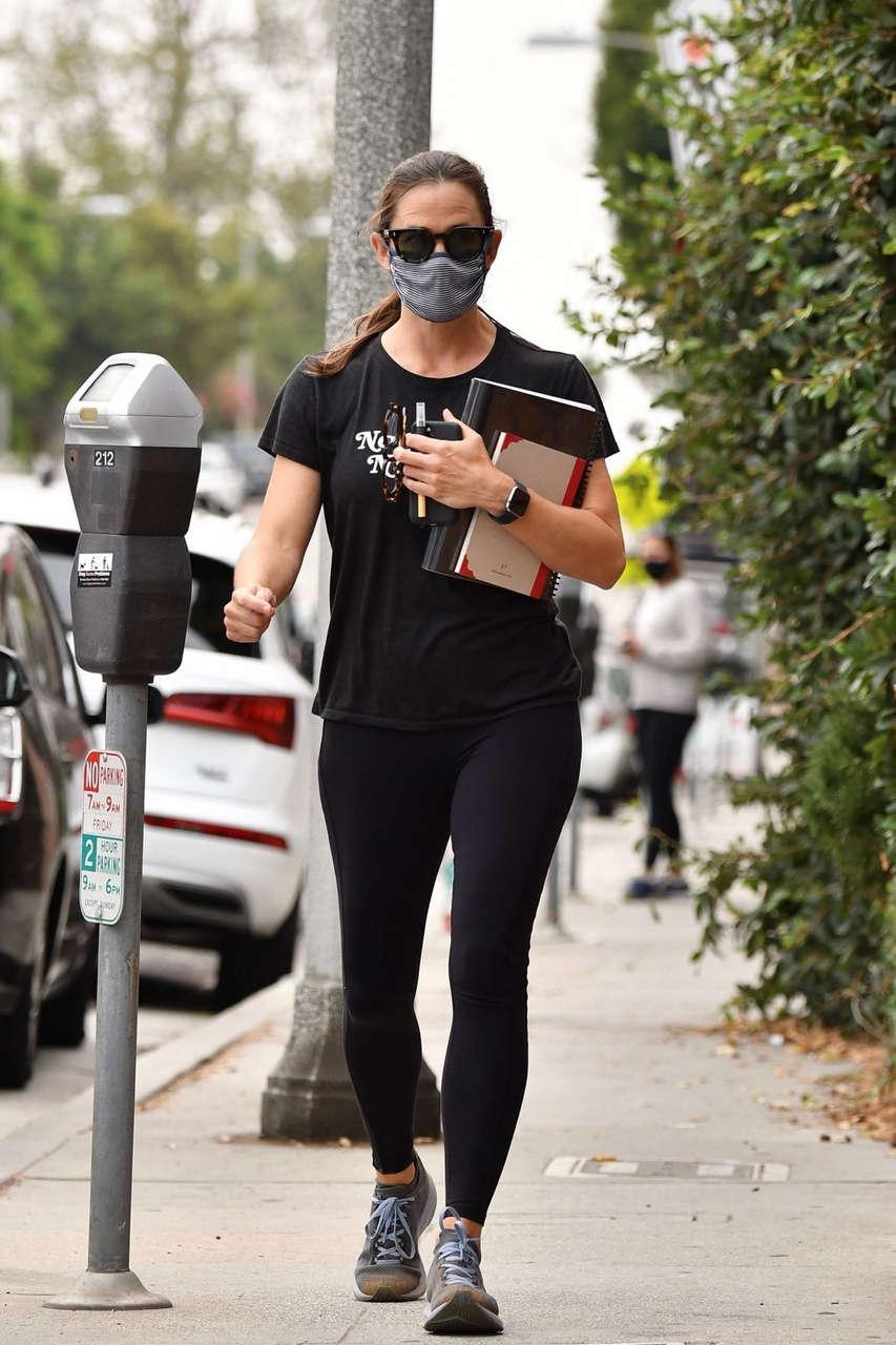 Jennifer Garner Leaves Gym Brentwood