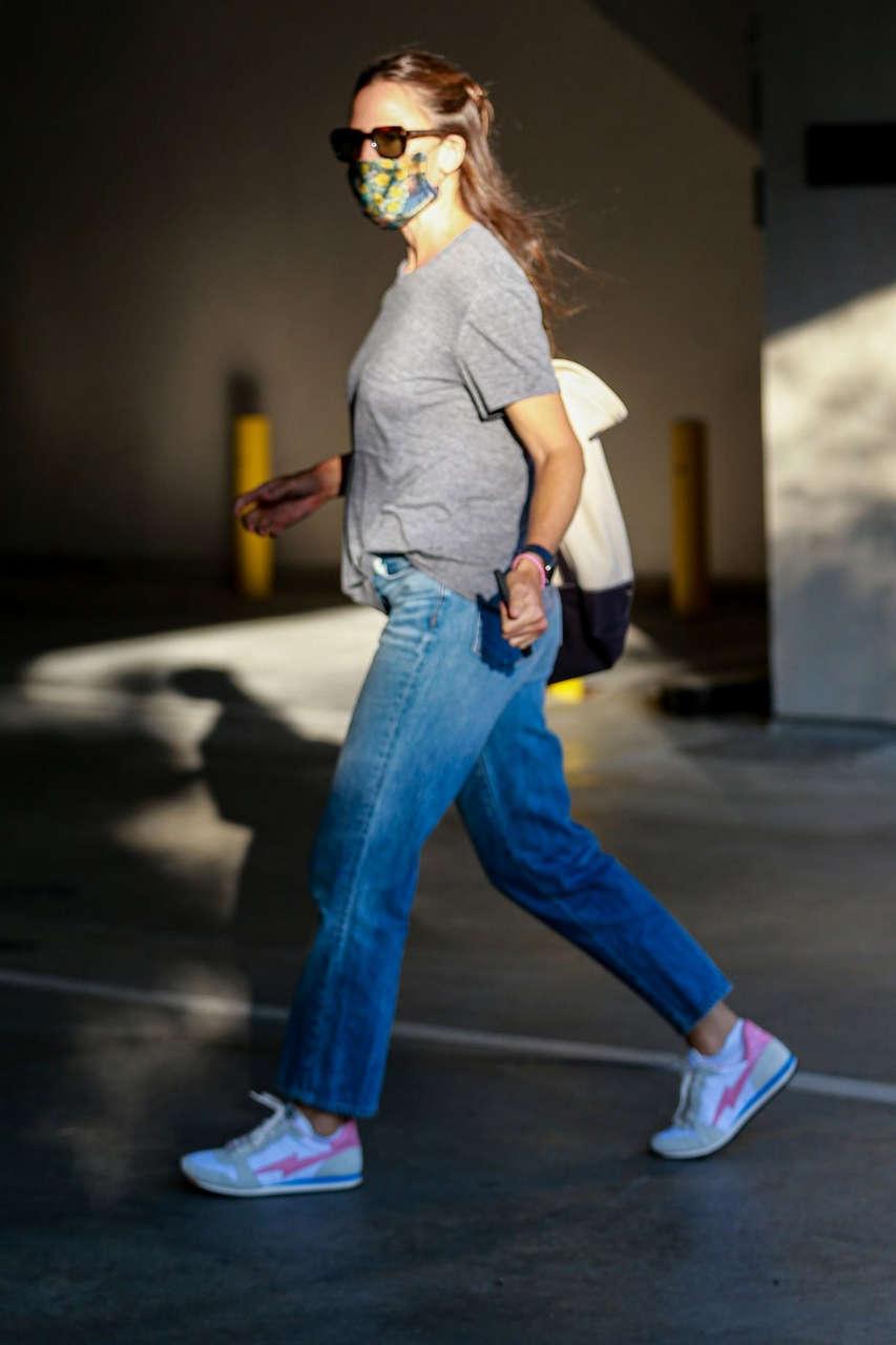Jennifer Garner Leaves Spa Brentwood
