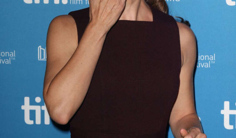 Jennifer Garner Men Women Children Press Conference Toronto (11 photos)