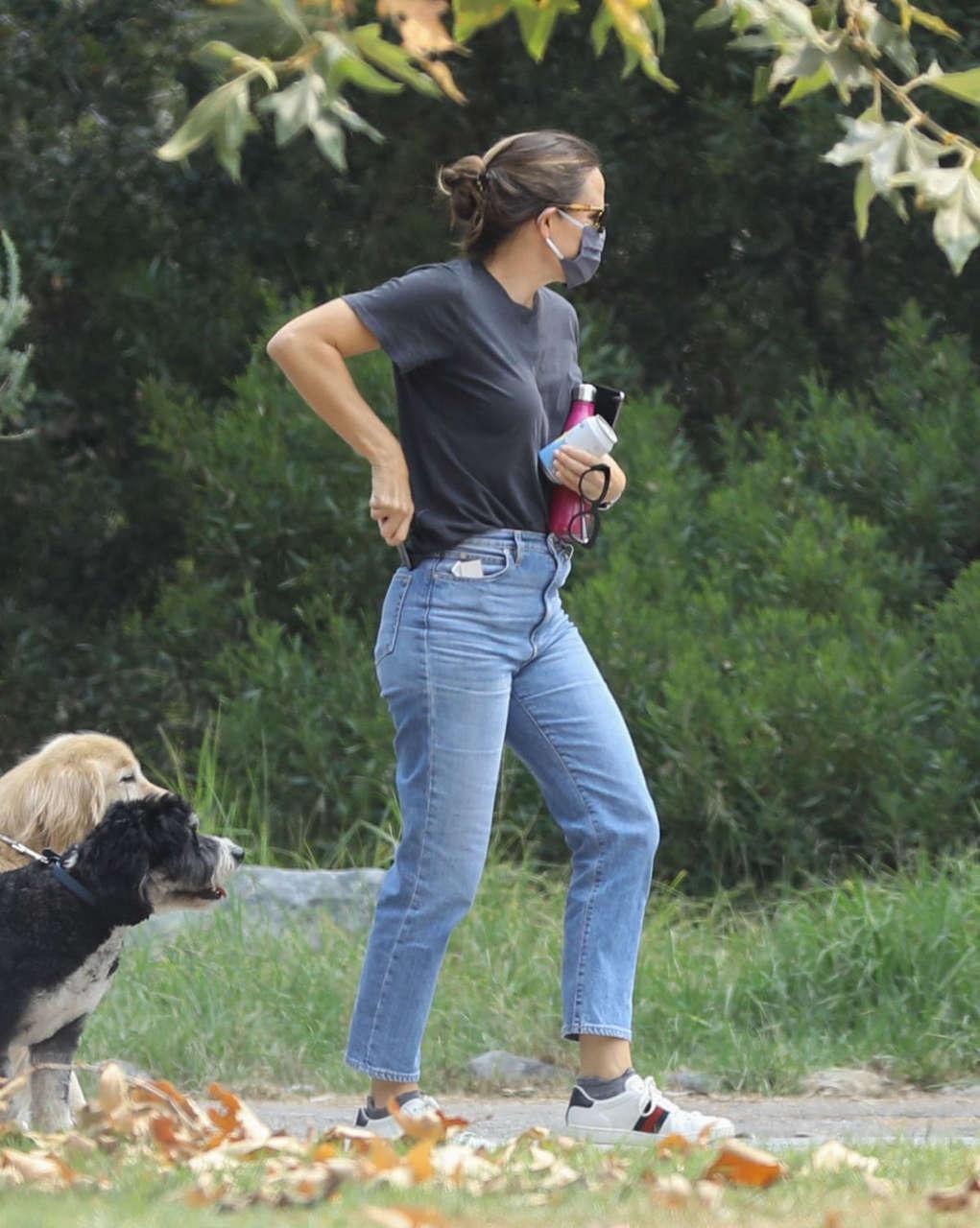 Jennifer Garner Out Brentwood
