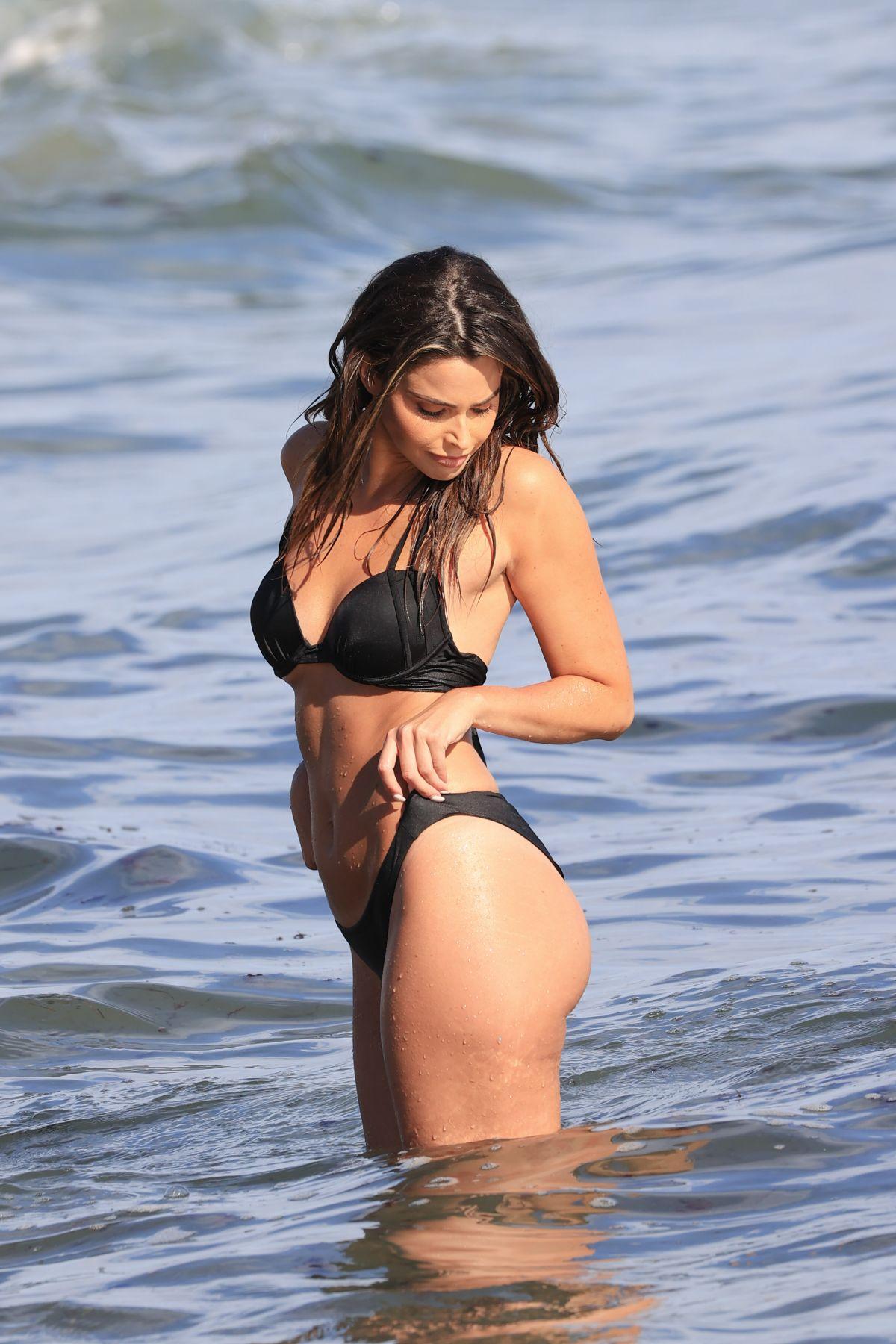 Jennifer Lahmers Bikini Beach Santa Monica