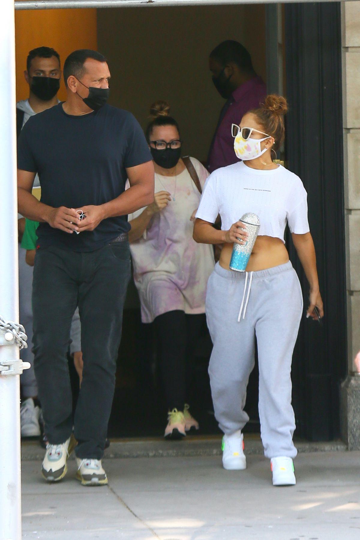 Jennifer Lopez Alex Rodriguez Leaves Their Apartment New York