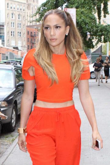 Jennifer Lopez Leaves Her Apartment New York