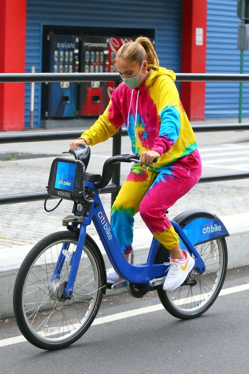 Jennifer Lopez Oot For Bike Ride New York