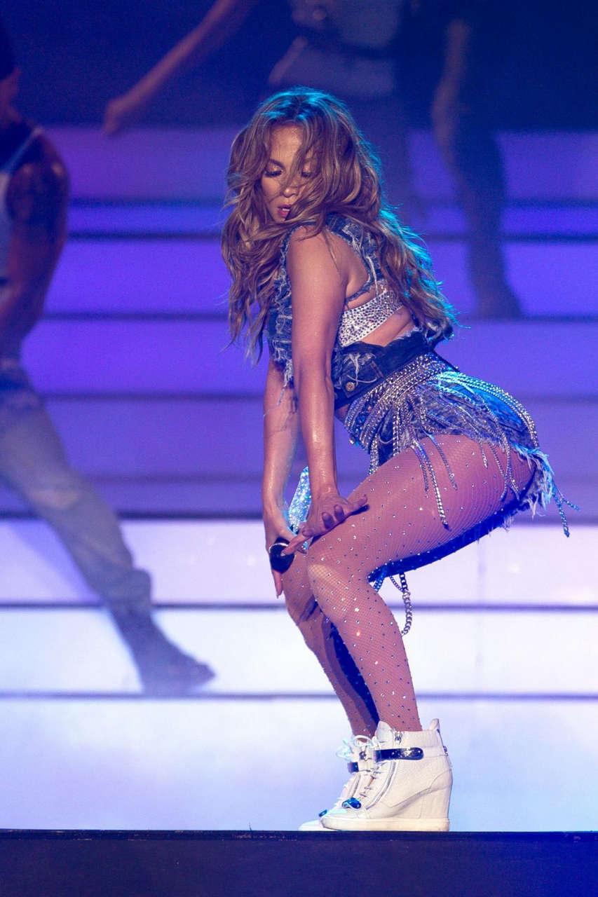 Jennifer Lopez Performs Meydan Racecourse Dubai