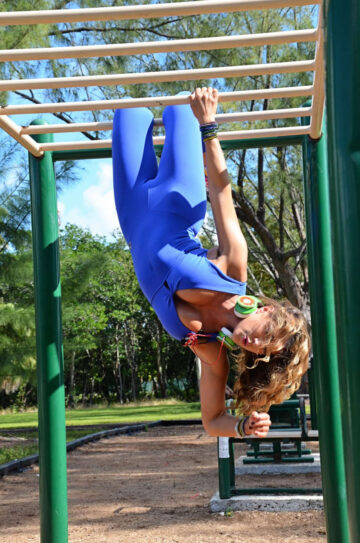 Jennifer Nicole Lee Working Out South Beach Outdoor Gym