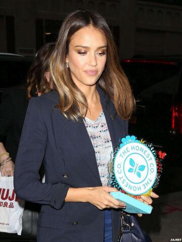 Jessica Alba Arrives Back Her Hotel New York