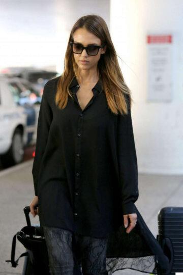 Jessica Alba Arrives Los Angeles International Airport