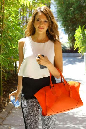 Jessica Alba Heading To Her Office Santa Monica