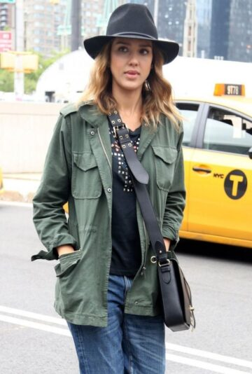 Jessica Alba Out About New York