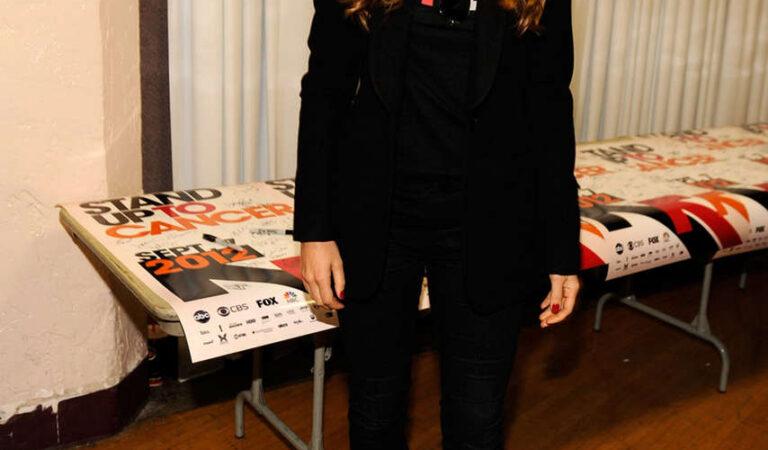 Jessica Biel Stand Up To Cancer Event Los Angeles (6 photos)