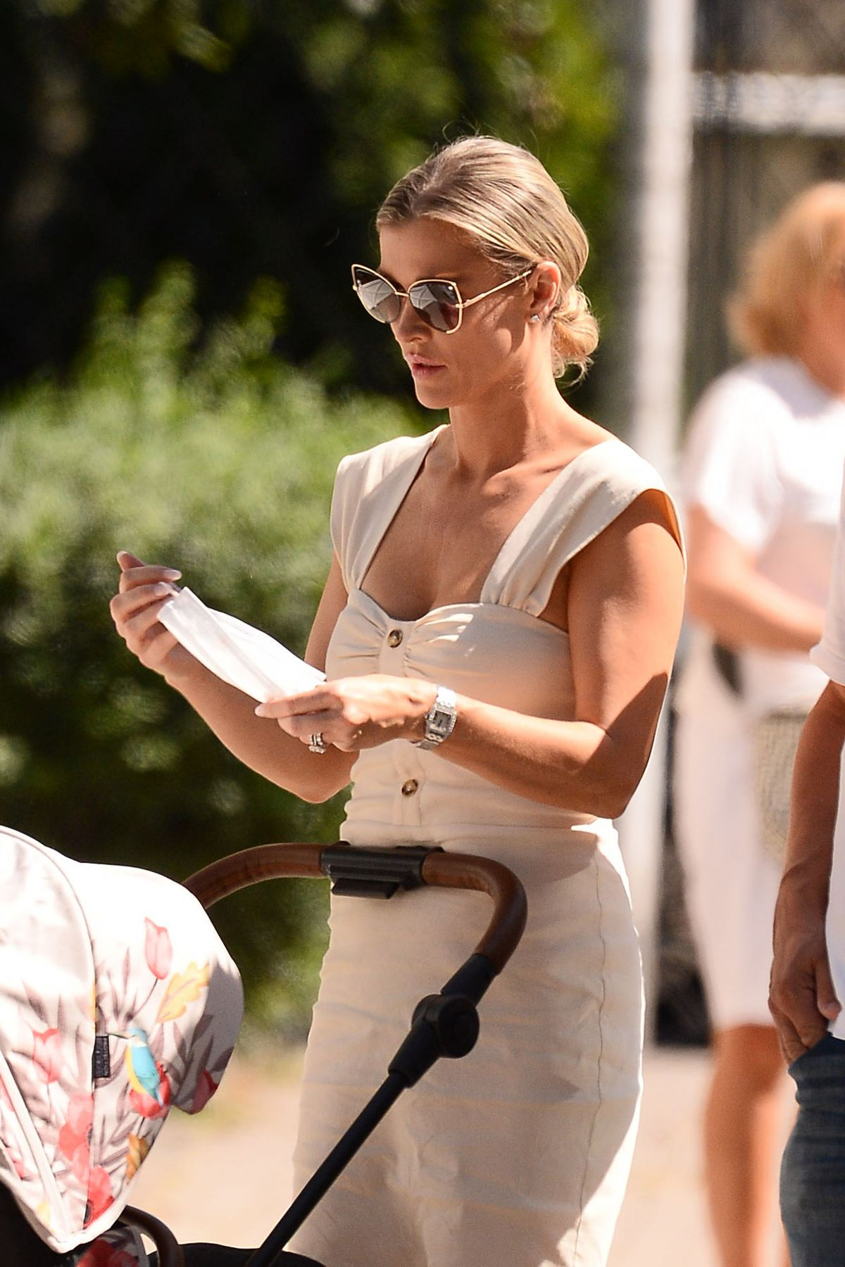 Joanna Krupa Out About Warsaw