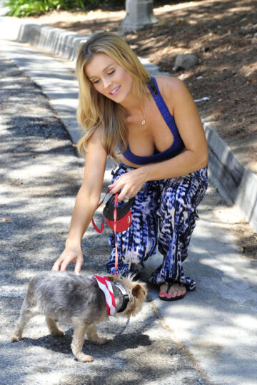 Joanna Krupa Tank Top Walks Her Dog Out Miami