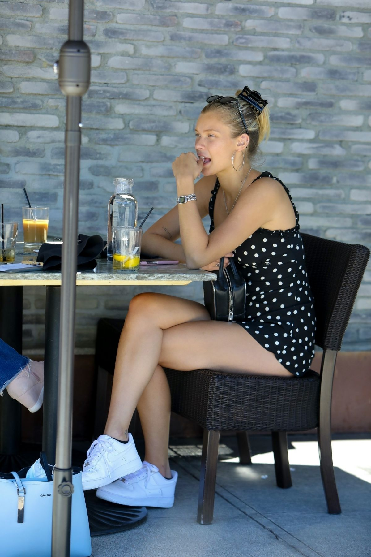 Josie Canseco Out For Lunch Granville American Restaurant Studio City