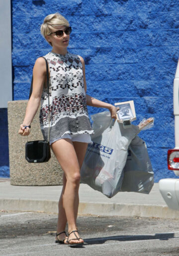 Julianne Hough Out Shoppiing Beverly Hills