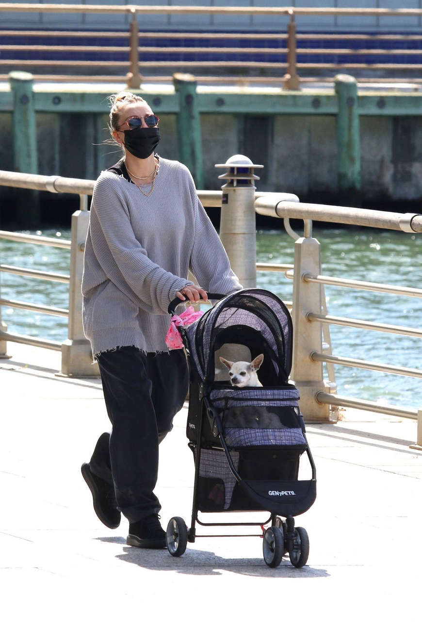 Kaley Cuoco Out With Her Dog Manhattans Hudson River Park