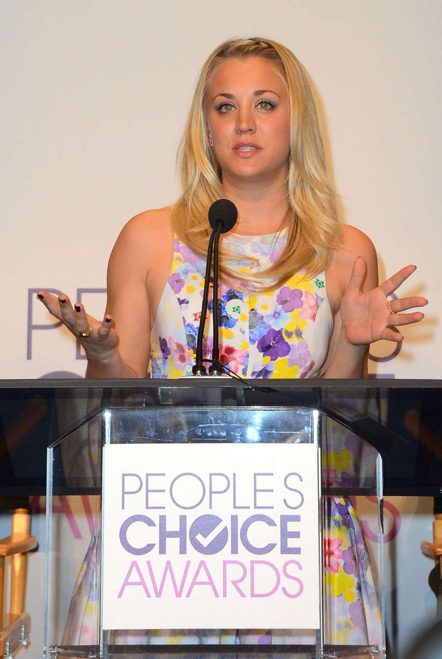 Kaley Cuoco Peoples Choice Awards Nomination Beverly Hills