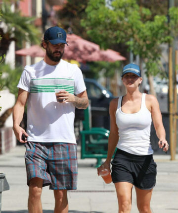 Kaley Cuoco Ryan Sweeting Out For Lunch Los Angeles